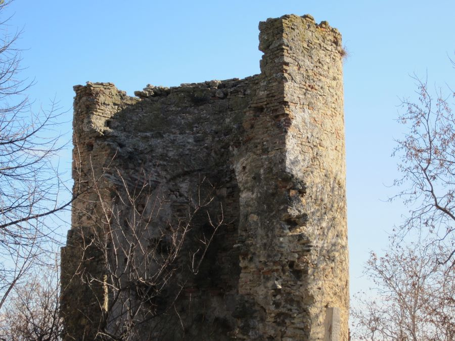 Foto torre ciarrapico francavilla al mare abruzzo for Mobilia arredamenti francavilla al mare