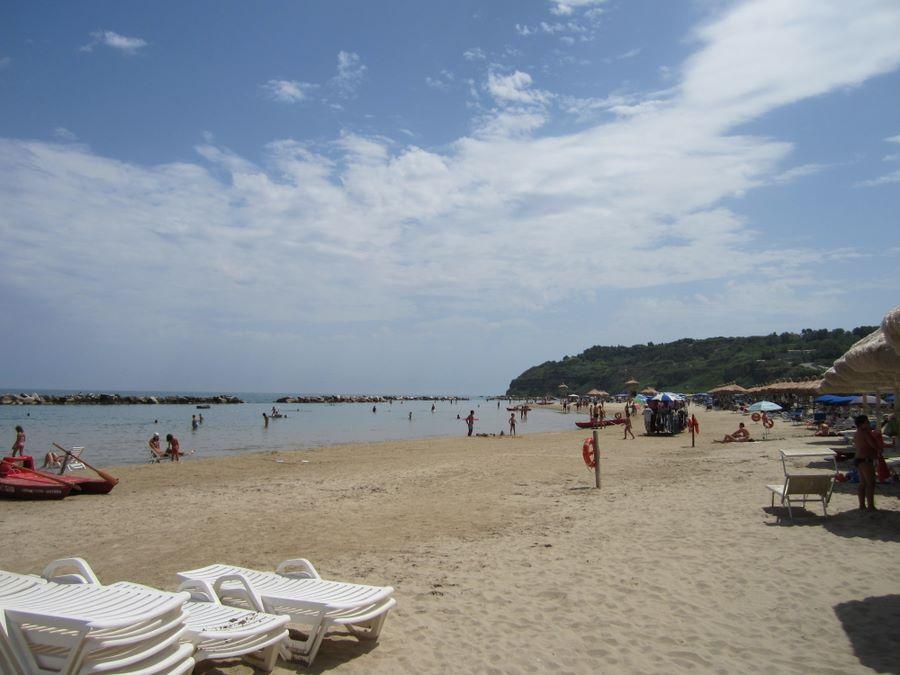 Matrimonio Spiaggia Ortona : Foto di ortona abruzzo castello aragonese passeggiata
