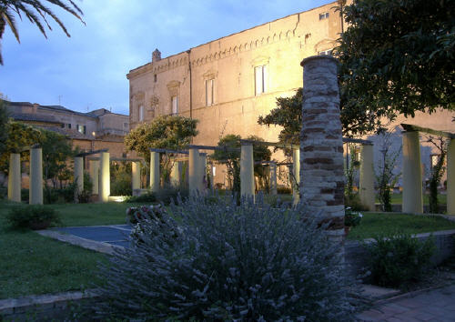 Foto cortile Palazzo D'Avalos Vasto