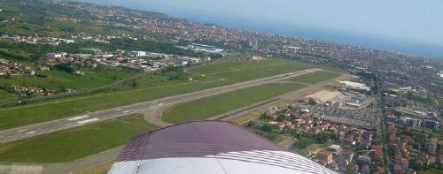foto dall'alto aeroporto di Pescara