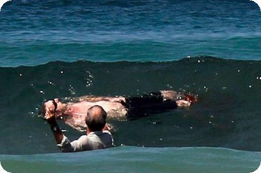 surfista ucciso da squali