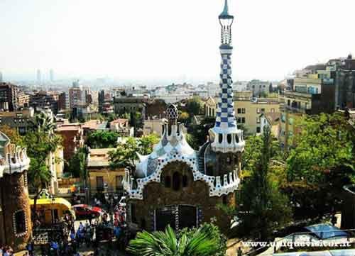 foto Parc Guell disegnato da Gaudi Barcellona