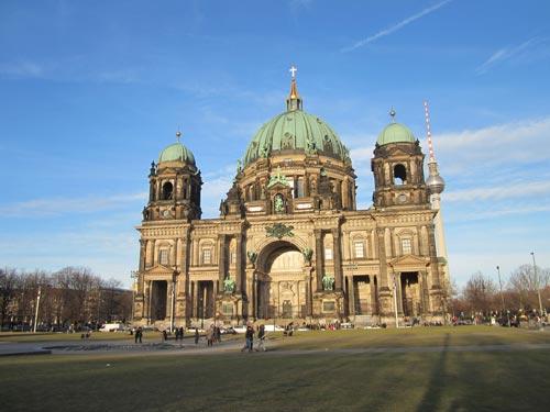 Foto frontale del Duomo di Berlino
