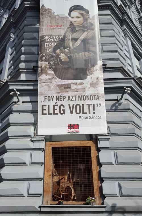 Foto casa del terrore in via Andrassy