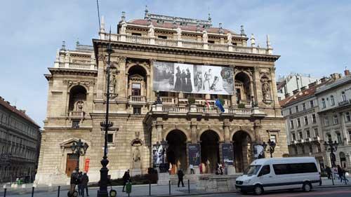 Foto teatro dell'Opera via Andrassy
