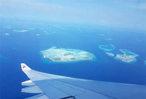 foto in volo sulle isole Maldive