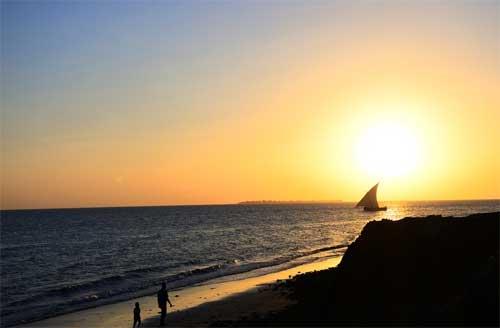 foto tramonto sul mare Zanzibar